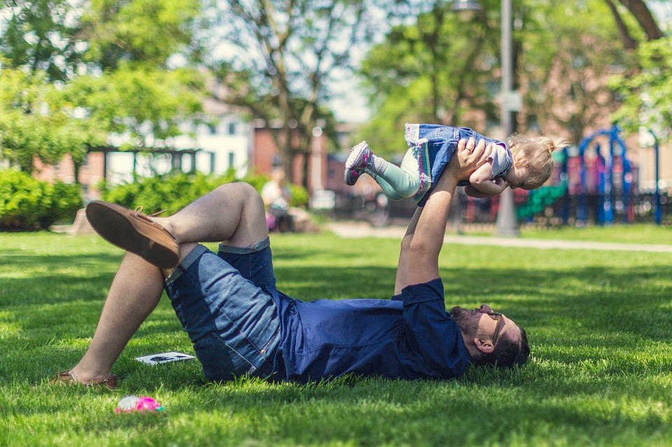The Pros and Cons of Artificial Grass